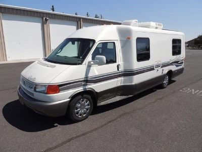 $4,025, Great  1999 Winnebago Rialta 22QD