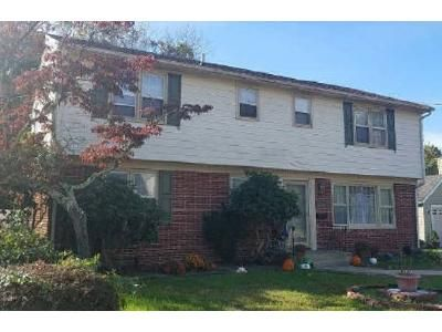 4 Bed 2 Bath Foreclosure Property in Vineland, NJ 08360 - New Pear St