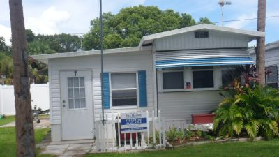 Lake Wales mobil home on the Kissimmee chaine of Lakes