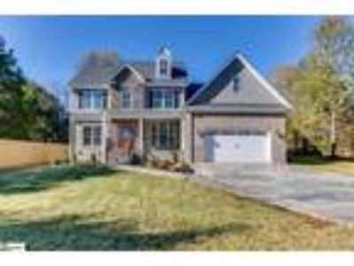 Brand New Custom Built Home minutes from Rive...
