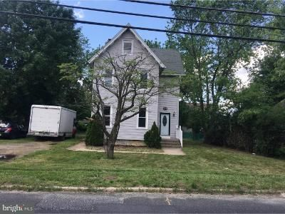 4 Bed 1 Bath Foreclosure Property in Riverton, NJ 08077 - Broad Street