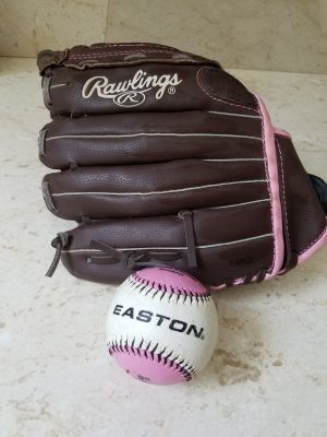 Girl's Rawlings Tball, softball 11 in Glove with Ball