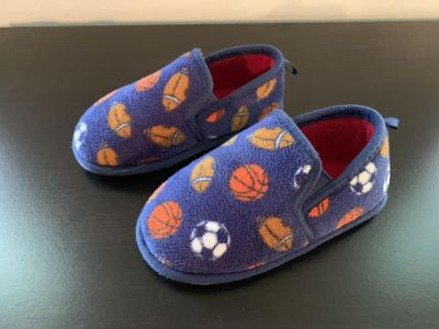 Sport slippers, size 9/10