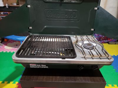 Coleman Camp Stove / Grill