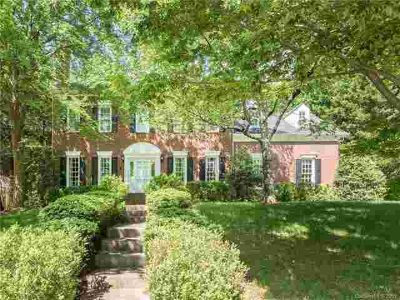125 Chambers Street DAVIDSON Five BR, Stately two-story brick