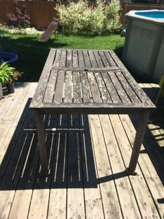 FREE outdoor wood table