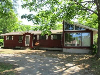 3 Bed 1.5 Bath Foreclosure Property in Bellingham, MA 02019 - Farm St