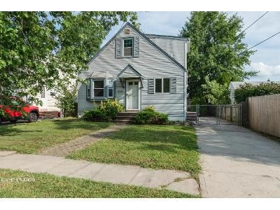 4 Bed 2 Bath Foreclosure Property in West Hempstead, NY 11552 - William St