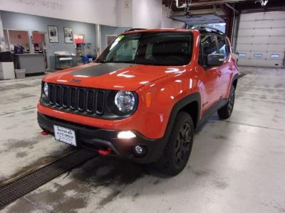 2018 Jeep Renegade TRAILHAWK 4X4 (Omaha Orange)