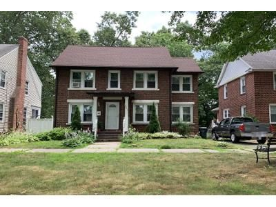 3 Bed 2 Bath Preforeclosure Property in Springfield, MA 01109 - Norfolk St