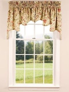 Country Curtain brand Queen comforter and matching window curtains.