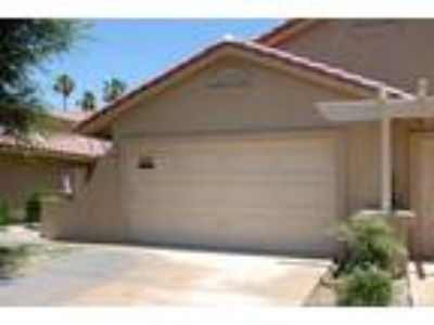 Palm Desert, Relaxing 2bd/Two BA furnished Condo nestled close