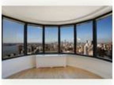 E.38 St. ULTRA LUXURY CONDOMINIUM APARTMENT Two BR ( Conv ) / Two BA