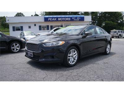 2013 Ford Fusion SE (black)