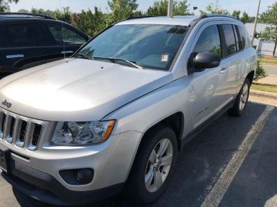 2011 Jeep Compass Latitude (Bright Silver Metallic Clear Coat)
