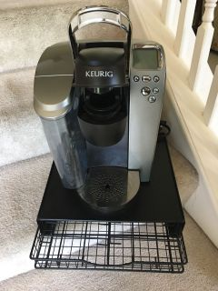 Keurig w/ hot water feature and 30 K Cup Holder