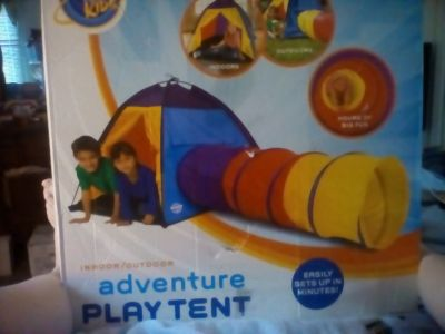 DISCOVERY KIDS ADVENTURE PLAY TENT IN ORIGINAL BOX