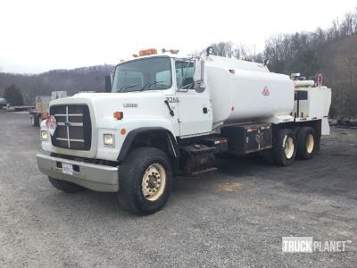1995 Ford L9000 T/A Fuel & Lube Truck