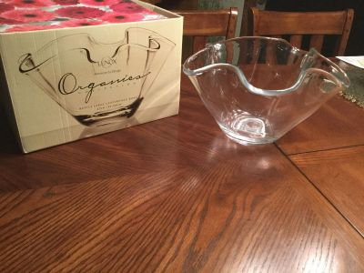 Brand New Lenox Organics Collection Ruffle Large Centerpiece Handcrafted Blown Glass Bowl 12 dia. $10