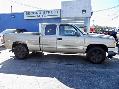 2006 Chevrolet Silverado 1500 Work Truck (Tan)