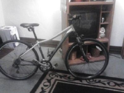 $220 2010 specialized ariel elite bicycle