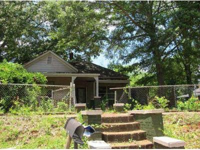 4 Bed 1.5 Bath Foreclosure Property in Lagrange, GA 30240 - Park Ave