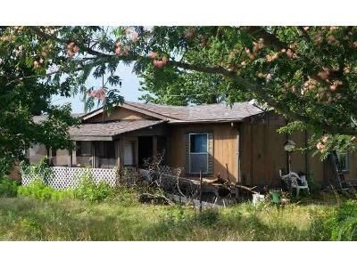 3 Bed 2 Bath Foreclosure Property in Campbellsburg, IN 47108 - W North St