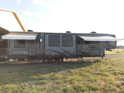 2015 Heartland ROAD WARRIOR RW 425