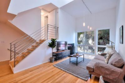 $3990 2 apartment in West Los Angeles