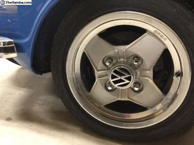 1973 Momo Magnisium wheels