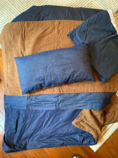 Reversible full/queen Bedding - suede and denim includes Comforter, shams, bedskirt and throw pillow