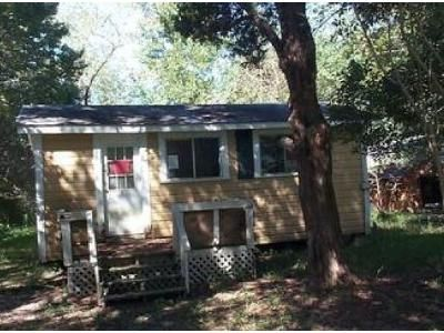 1 Bed 1 Bath Foreclosure Property in Dequincy, LA 70633 - Hereford St