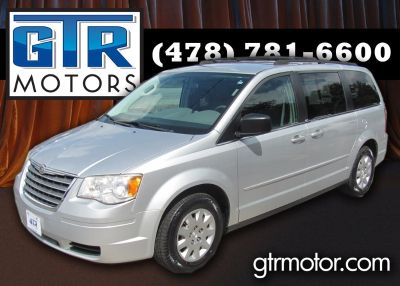 2010 Chrysler Town & Country LX (Silver Or Aluminum)
