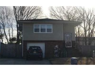 5 Bed 2 Bath Foreclosure Property in Port Jefferson Station, NY 11776 - Clymer St