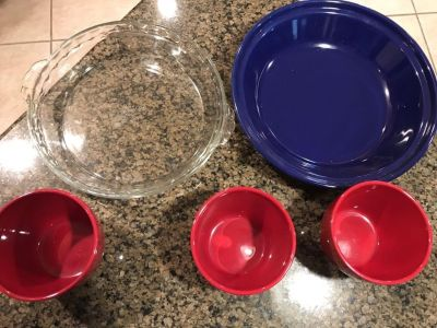 Three 3 1/2 dip bowls $5, clear pie plate $3, blue pie plate $4. Xposted