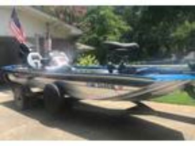 2001 Tracker Marine-TX17 Power Boat in Pearl, MS