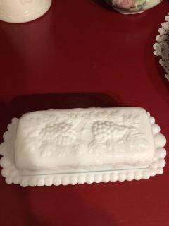 Vintage Milk Glass Butter dish. Grapevine Pattern. Perfect condition.