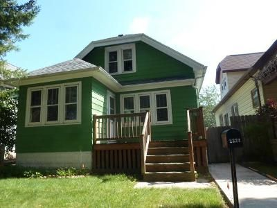3 Bed 1 Bath Foreclosure Property in Milwaukee, WI 53215 - S 34th St