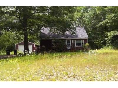 3 Bed 1 Bath Foreclosure Property in Jefferson, ME 04348 - Rho Ave