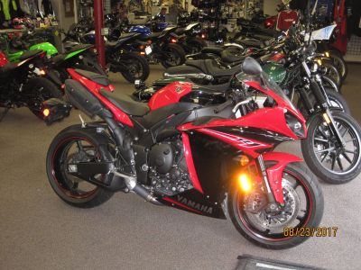 2013 Yamaha YZF-R1 SuperSport Motorcycles Metuchen, NJ