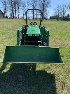 2014 John Deere Tractor 3032 package