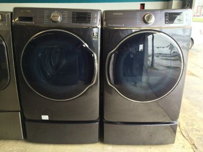 Samsung Washer and Gas Dryer Set in Onyx