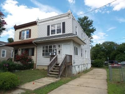 2 Bed 1 Bath Foreclosure Property in Oaklyn, NJ 08107 - Laurel Ave
