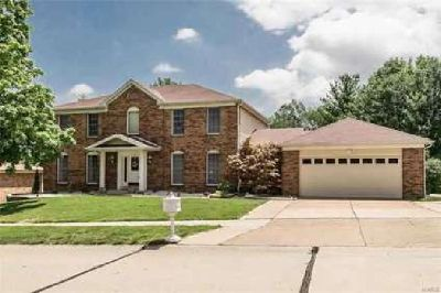 4732 Oakridge Park Dr Saint Louis Four BR, ***Holiday sale!