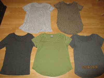 5 LADIES SUMMER TOPS IN GREAT COND.