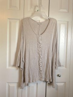 Women s size 3x Boutique Tunic with lace detailing