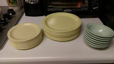 23 pc melomite dishes