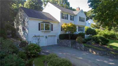 17 Chace ST East Greenwich Four BR, Impressive Colonial in