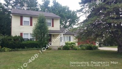 Large 2 story home in Grand Blanc