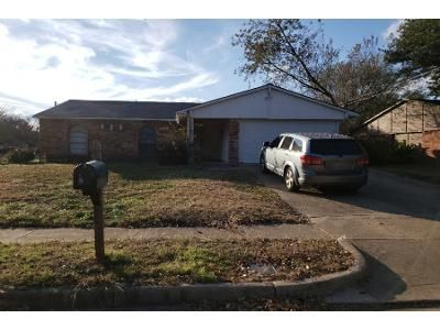 3 Bed 2.0 Bath Preforeclosure Property in North Richland Hills, TX 76182 - Newcastle Pl